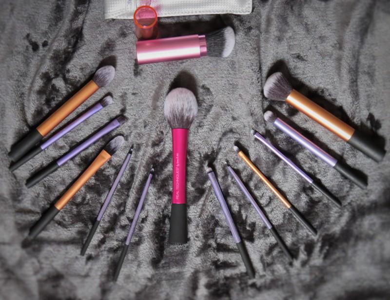 real technique mes pinceaux coup de coeur violette sucr e maquilleuse en moselle. Black Bedroom Furniture Sets. Home Design Ideas