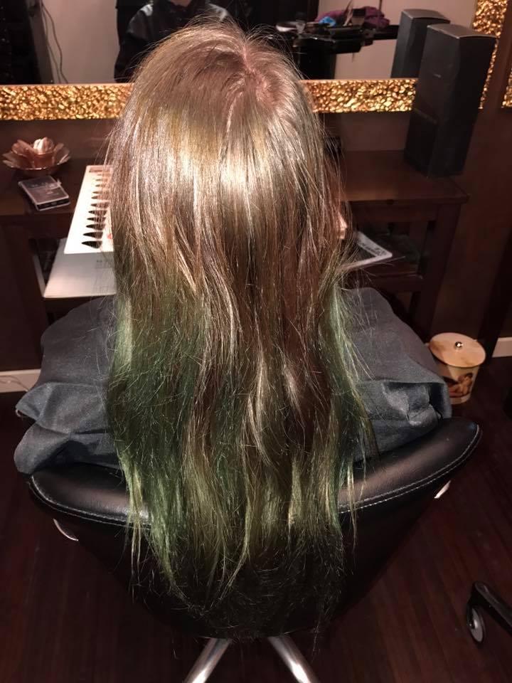 cheveux coloration violette