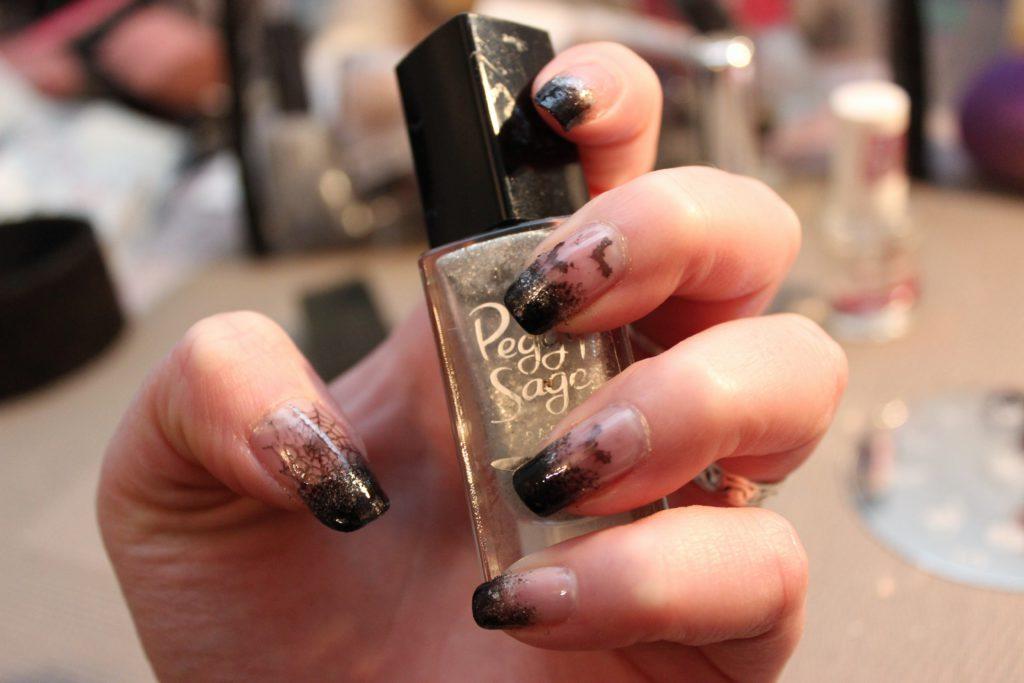 nail art goth